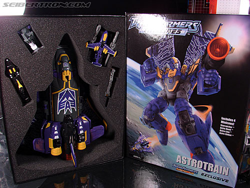 Club Exclusive - Astrotrain preview pictures