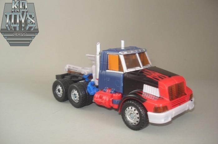 Jouets Transformers Generations: Nouveautés Hasbro - partie 1 - Page 5 1290779681_GENG2OP02