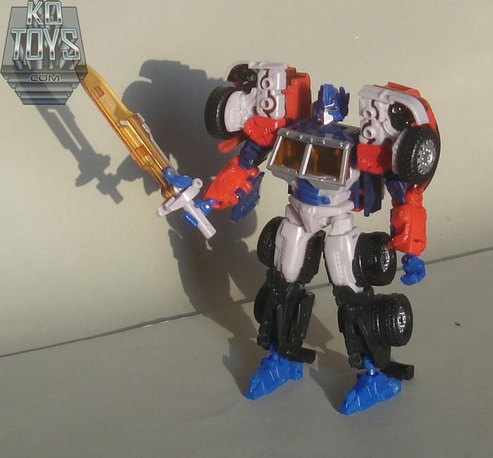 Jouets Transformers Generations: Nouveautés Hasbro - partie 1 - Page 5 1290779681_GENG2OP28