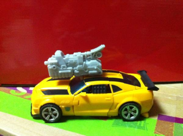Jouets Transformers 3 - Partie 1 1292847242_Bumb
