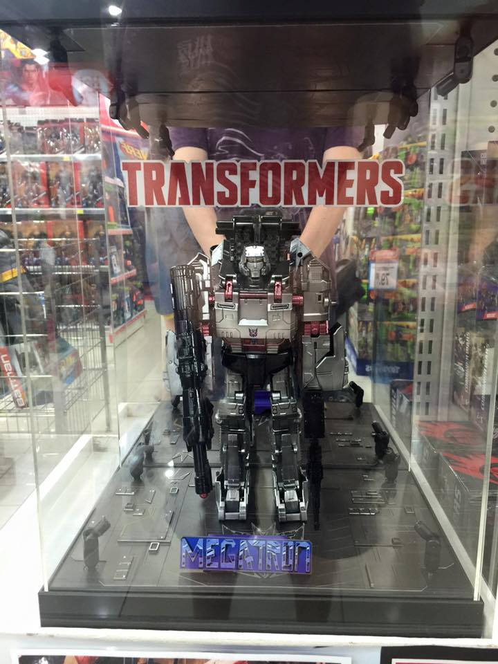 Transformers News: Singapore Contest featuring Transformers Combiner Wars Chrome Megatron