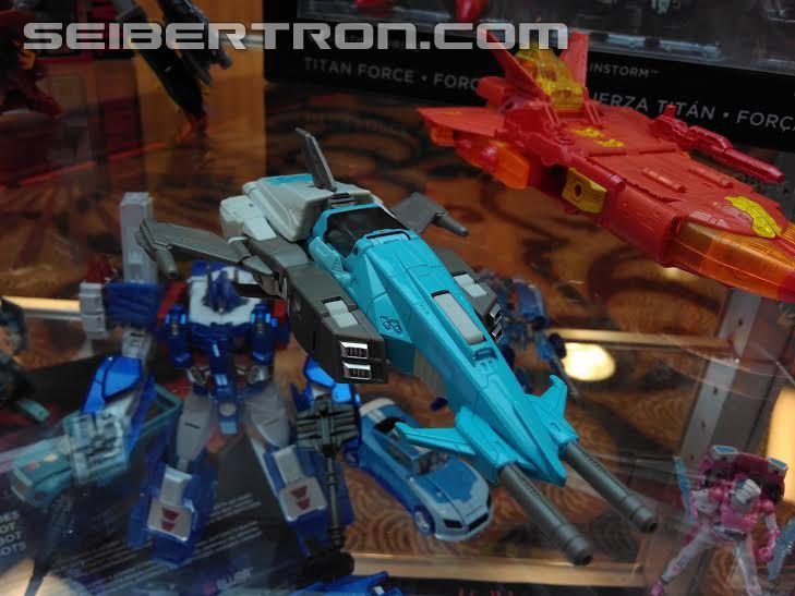 Transformers News: #Botcon2016 Galleries: Hasbro Floor Display - Platinum Edition, SDCC Exclusive, Robot and Alt Modes