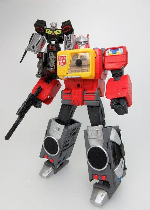 Transformers News: In Hand - Takara Tomy Transformers Legends Rewind, Blaster, Weirdwolf