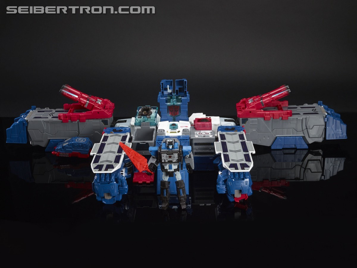 Transformers News: Additional images of SDCC 2016 Titans Return Fortress Maximus with Master Sword