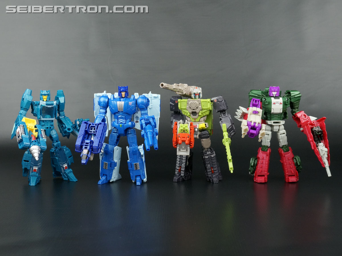 Transformers News: Transformers Titans Return Head Interchangeability Featuring Titan Masters Wave 1 and Deluxe Wave 1