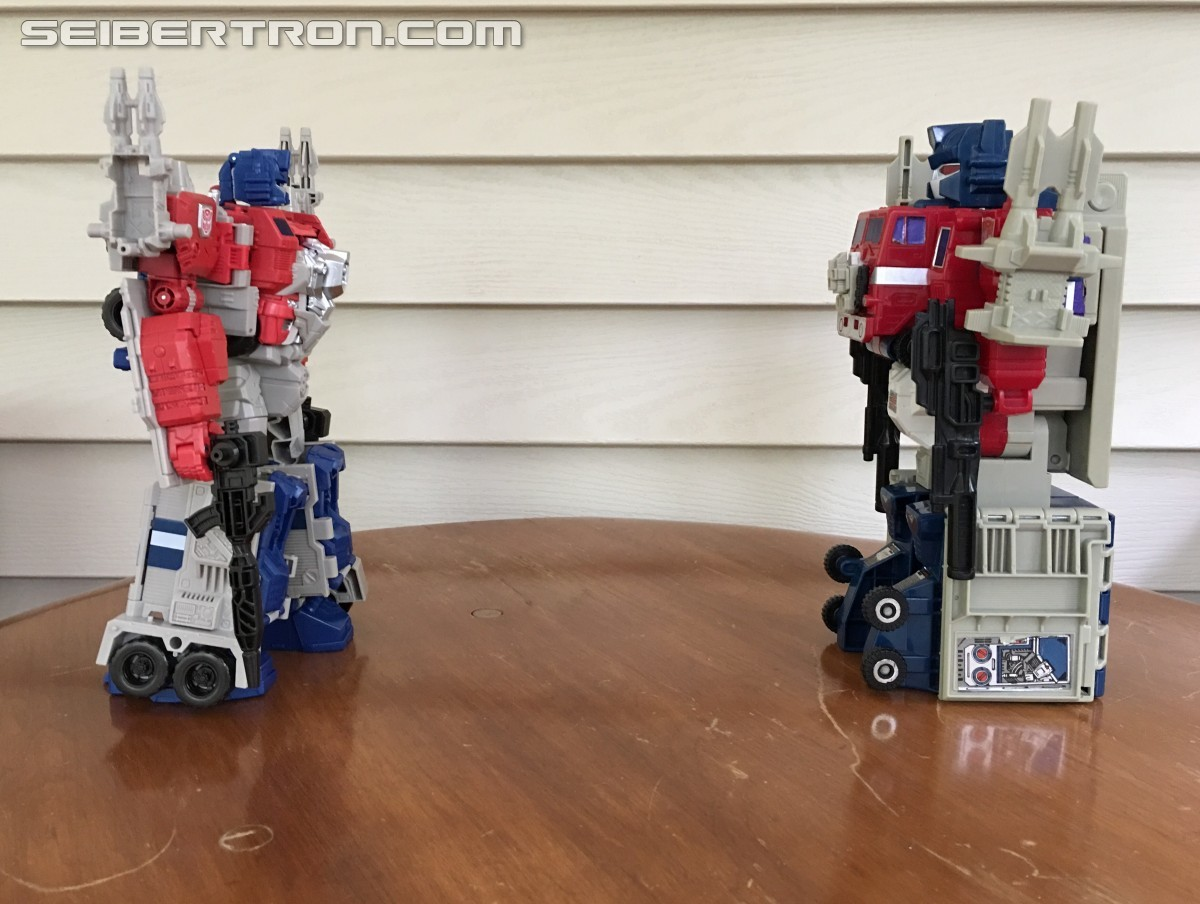 Transformers News: Seibertron User Review - Titans Returning And Such! - Powermaster Optimus Prime