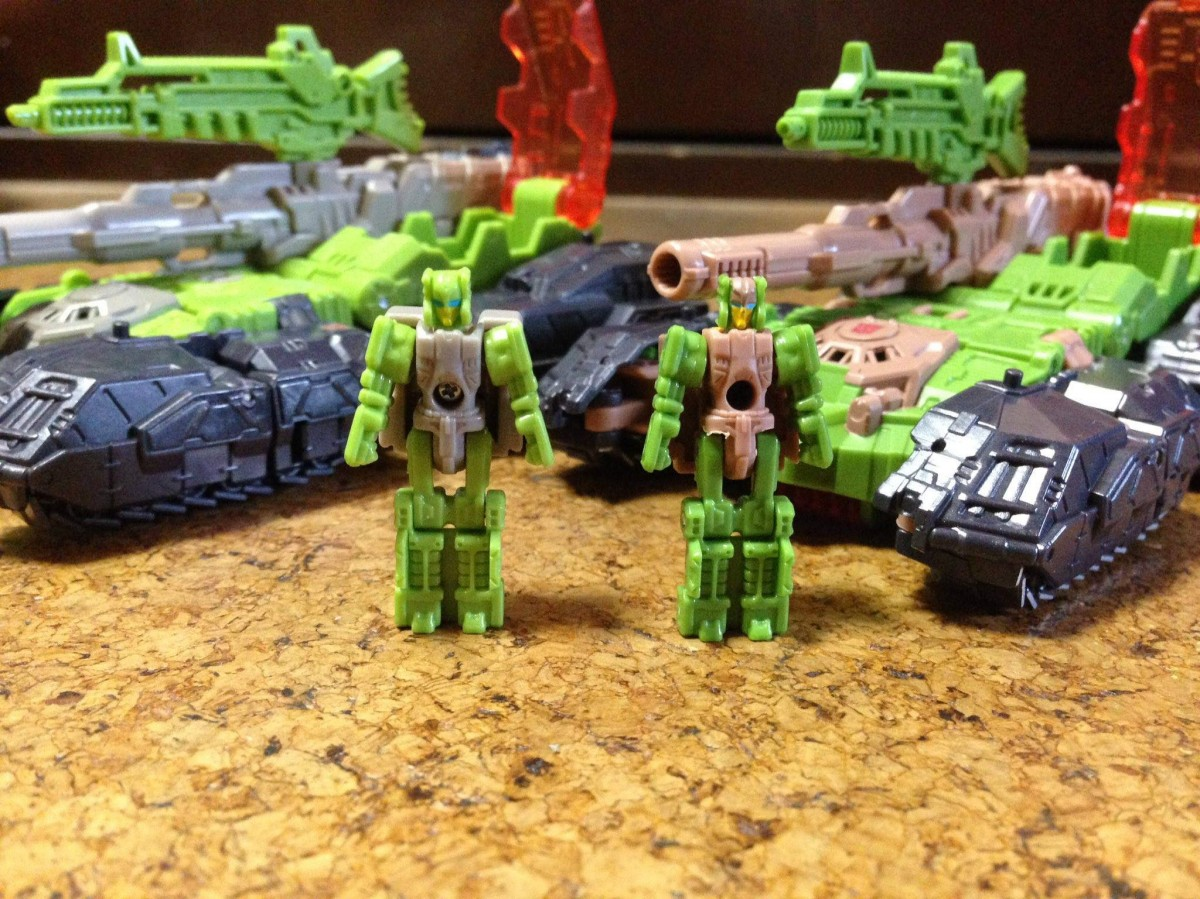 Transformers News: Takara Tomy Transformers Legends Hardhead and Galvatron comparisons with Titans Return