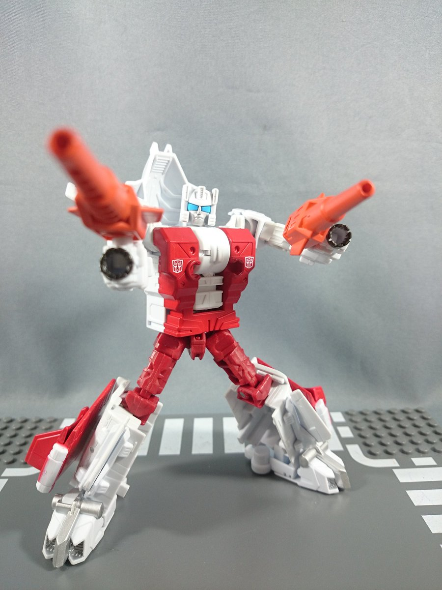 Transformers News: New Images - Takara Transformers Unite Warriors UW08 Computicon Nosecone and Strafe