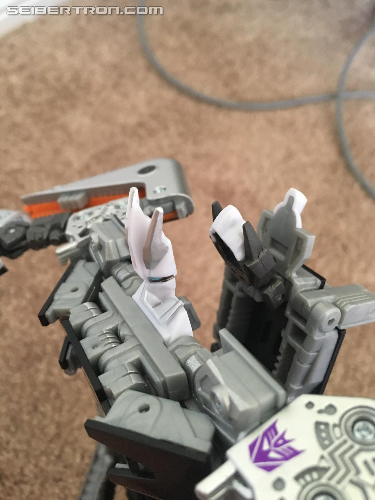 Transformers News: San Diego Comic Con 2016 Exclusive Soundwave Images and Review