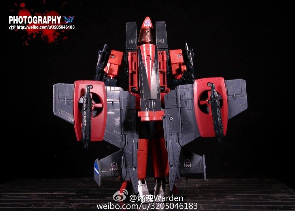 Transformers News: TakaraTomy Transformers Masterpiece MP-11NT Thrust In-Hand