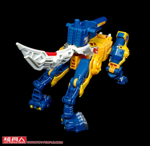 Transformers News: Images of Asia Exclusive Stickers Applied On Titans Return Wave 2 Deluxes