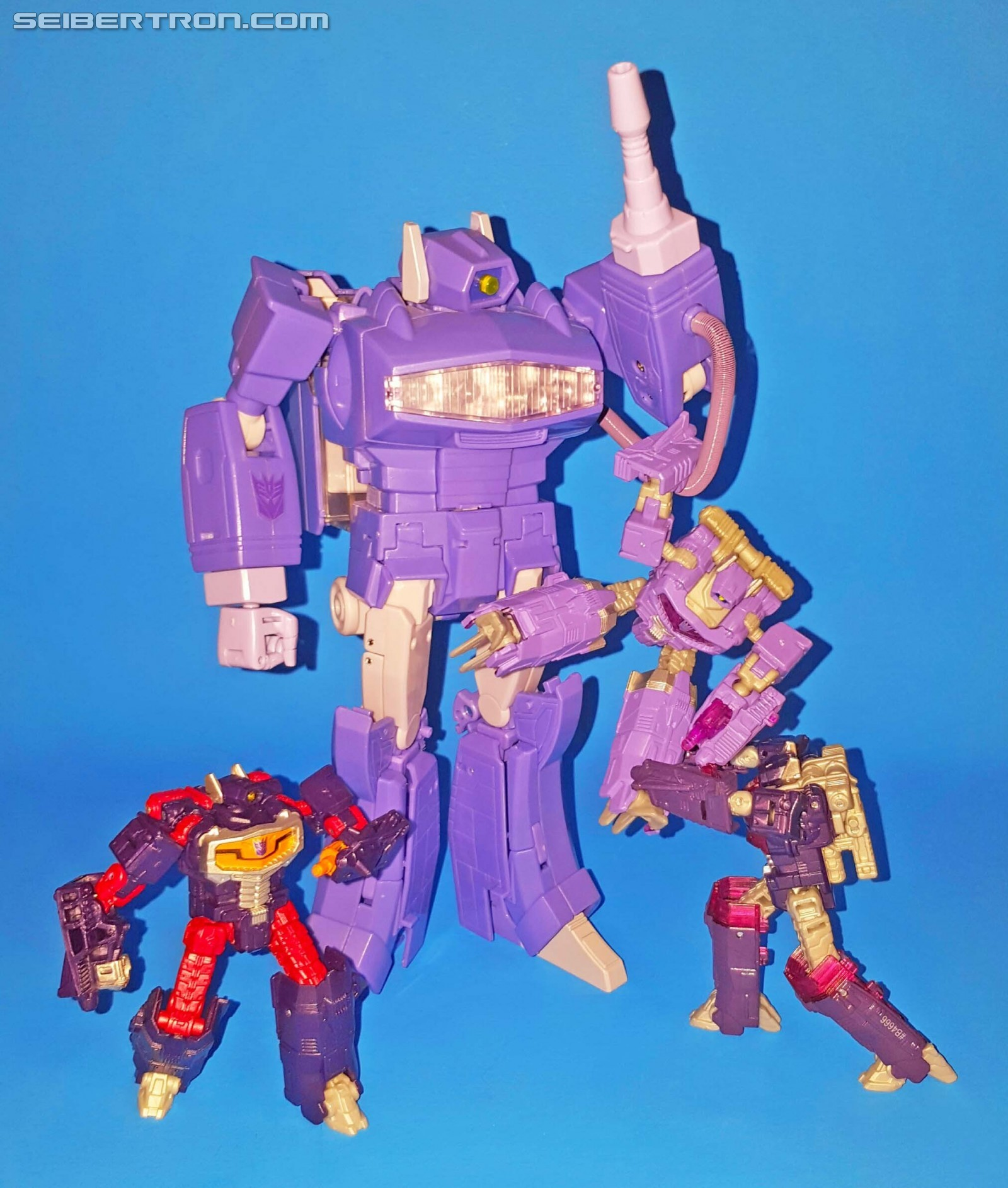 B4666 par Hasbro Transformers generations combineur wars legends class shockwave