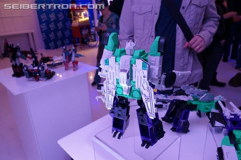 Transformers News: NYCC 2016 Seibertron Gallery: Titans Return Sixshot