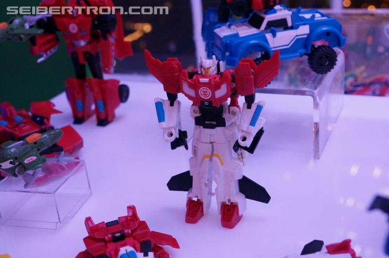 Transformers News: NYCC 2016 Seibertron Gallery: Robots in Disguise Combiner Force