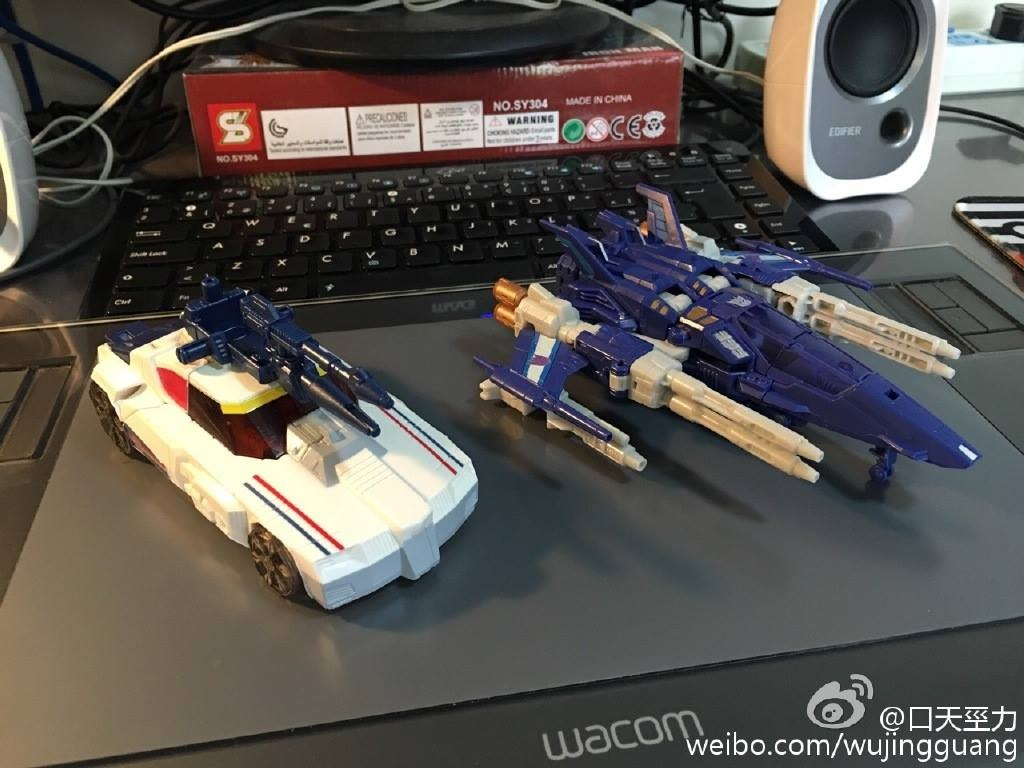 Transformers News: In-Hand Images Transformers Titans Return Wave 3 Deluxe Triggerhappy and Getaway