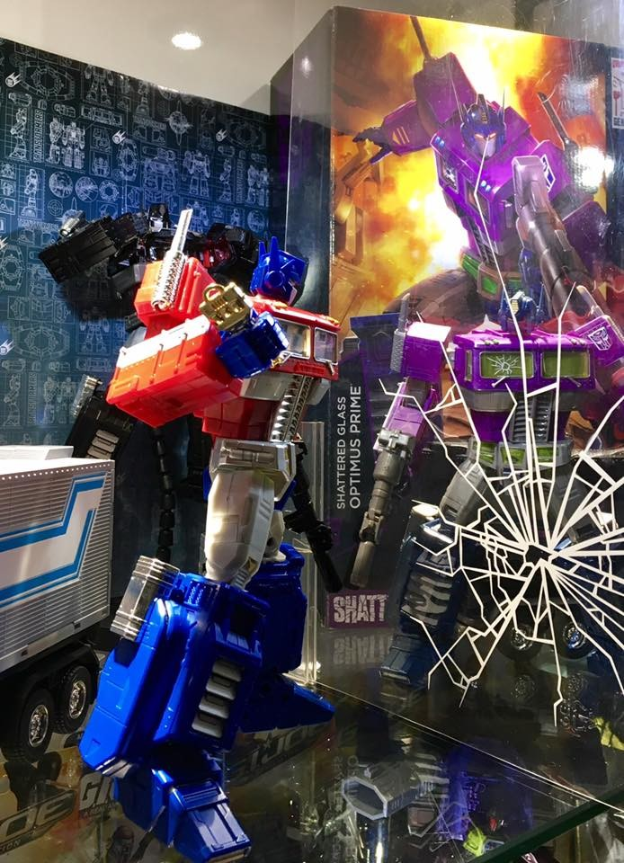 Transformers News: Masterpiece Shattered Glass Optimus Prime New Images