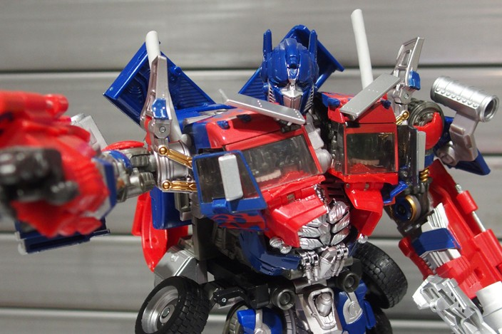 JOUETS - Transformers 4: Age Of Extinction - Page 41 1477654314-mb-leader-optimus-prime-takara-01