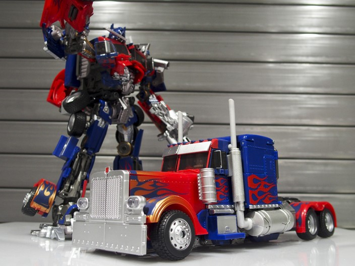 JOUETS - Transformers 4: Age Of Extinction - Page 41 1477654315-mb-leader-optimus-prime-takara-04