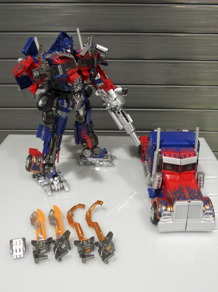 JOUETS - Transformers 4: Age Of Extinction - Page 41 1477654315-mb-leader-optimus-prime-takara-06