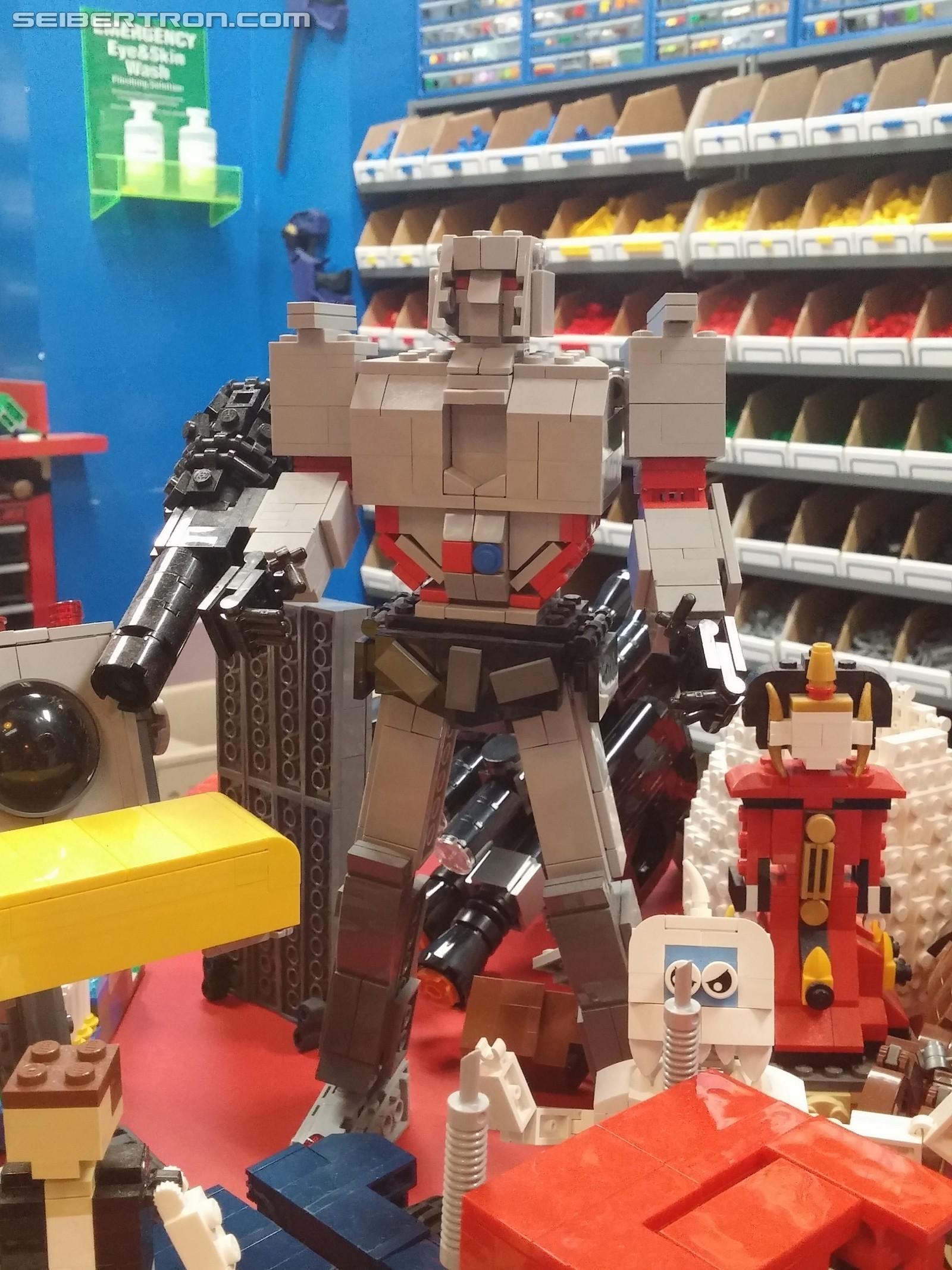 unofficial lego transformers models at legoland discovery center kansas city. Black Bedroom Furniture Sets. Home Design Ideas