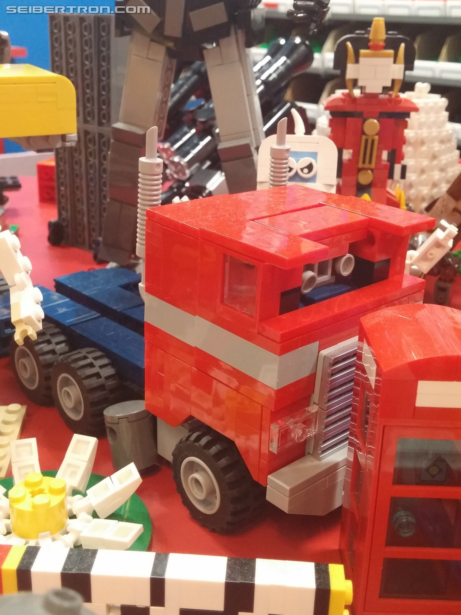 Transformers News: Unofficial LEGO Transformers Models at Legoland Discovery Center Kansas City