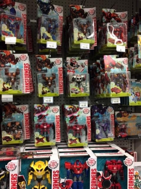 Transformers News: Massive Holiday Restock Happening at Toysrus Canada with Titans Return Wave 2 + Latest RID Toys