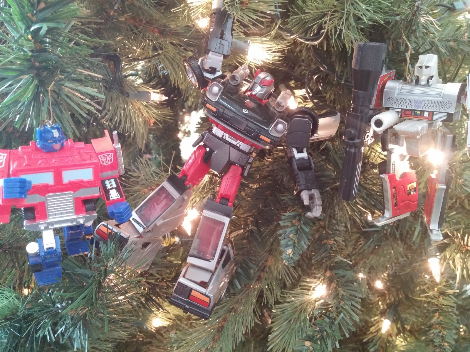 Transformers News: Re: Twenty-five Days Of Transformersmas: A Holiday Photo Challenge!