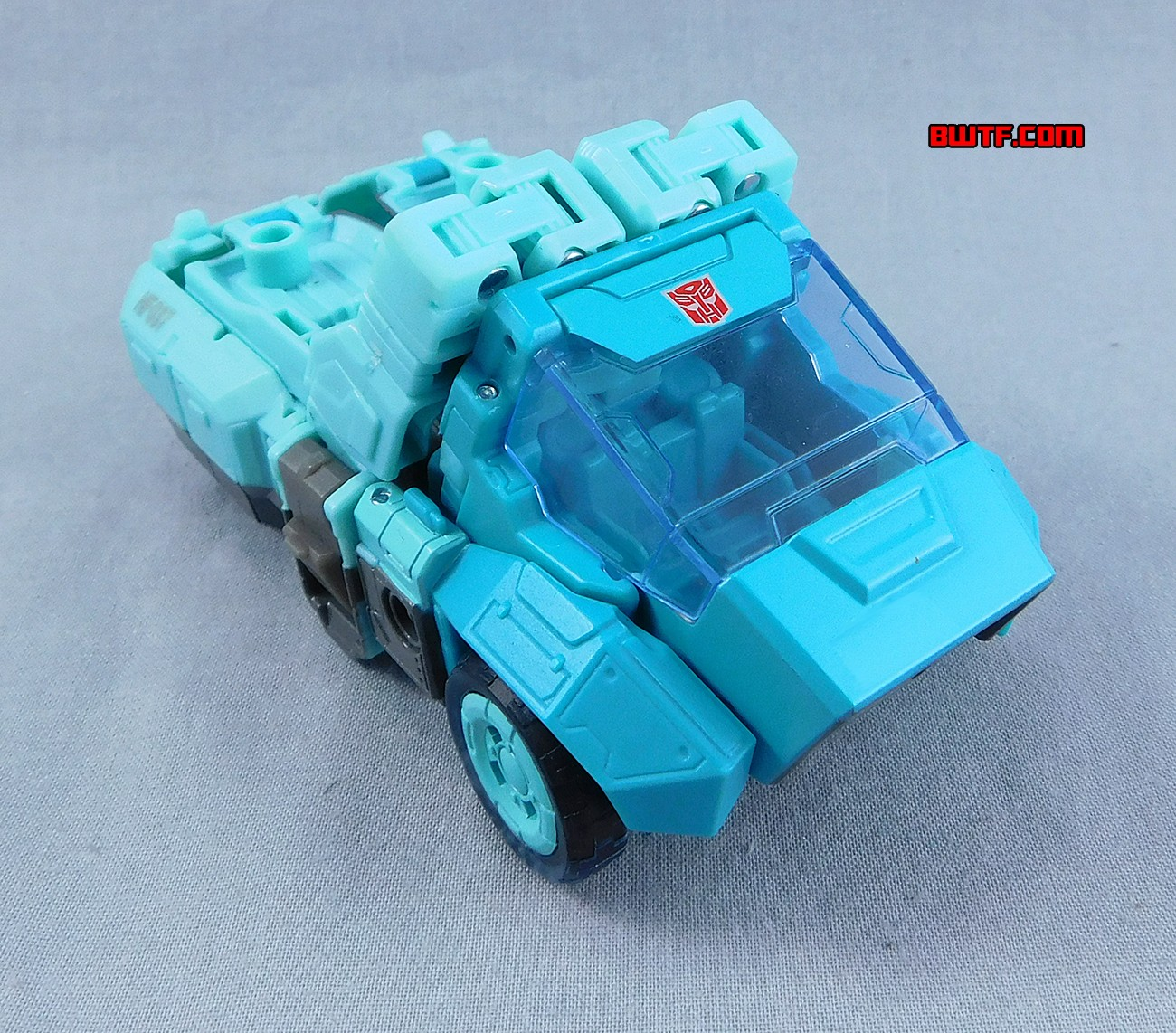 Transformers News: In-Hand Images of Transformers Titans Return Kup with Flintlock