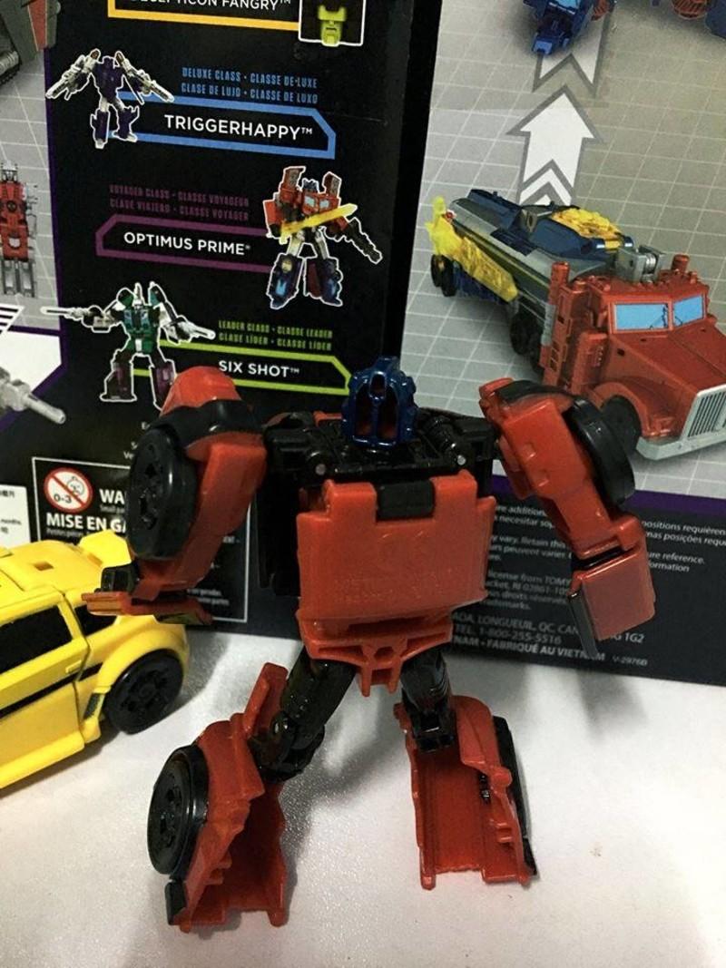 Transformers News: In-Hand Images of Transformers Titans Return Legends Roadburn
