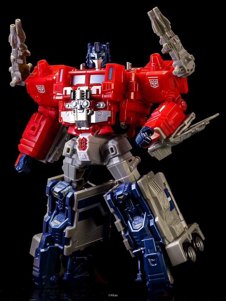 In-Hand Images of Takara Tomy Transformers Legends LG-35 ...
