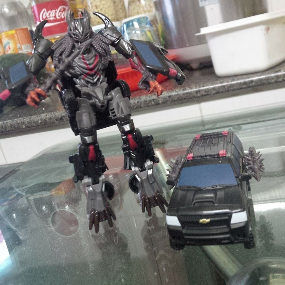 JOUETS - Transformers 5: The Last Knight - Page 3 1485446061-beserker-06