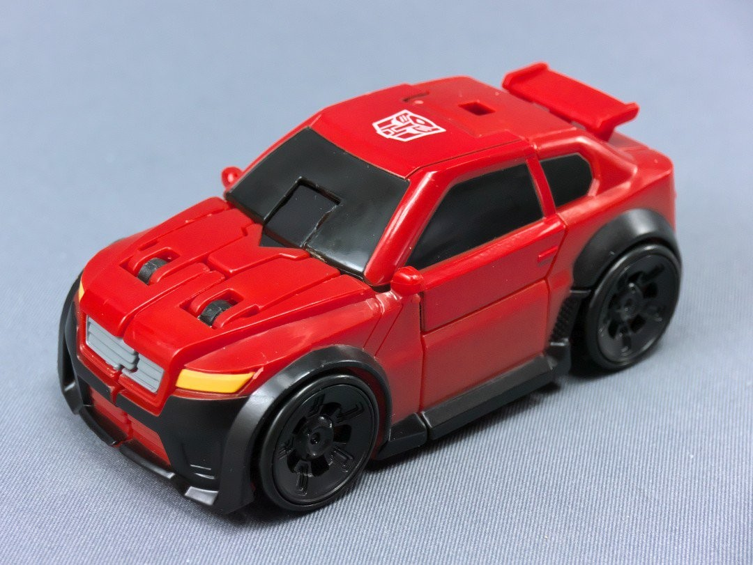 Transformers News: More In-Hand Images of Transformers Titans Return Wave 4, Feat. Brawn, Krok, Broadside, Black Shadow