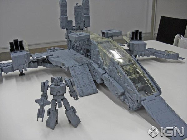 Transformers News: New Images of Titans Return Trypticon Showing Alt Modes, Full-Titl and Titan Master Wipe Out