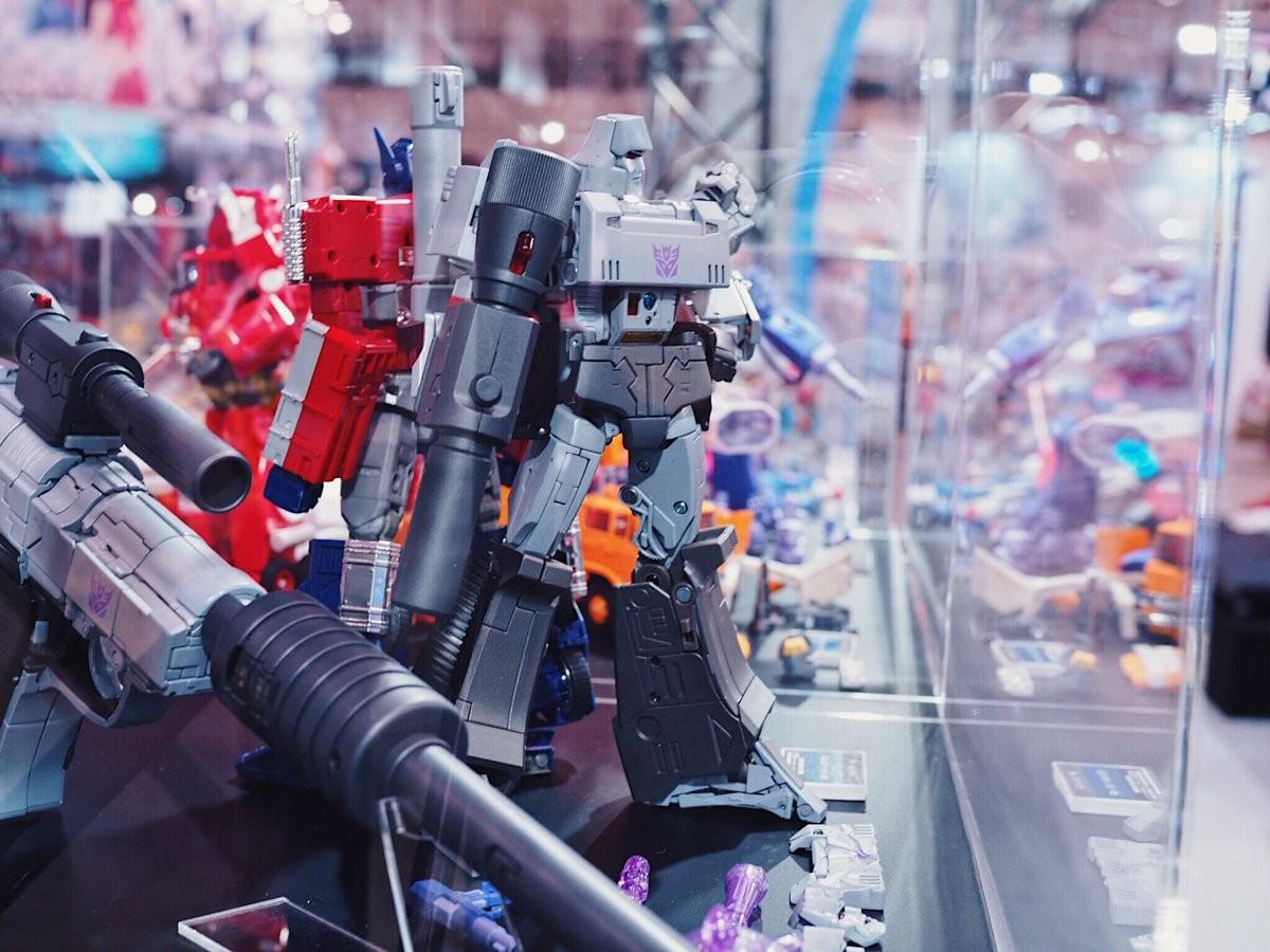 Transformers News: Wonderfest 2017 - Full Images of Takara Tomy Transformers Masterpiece MP-36 Megatron