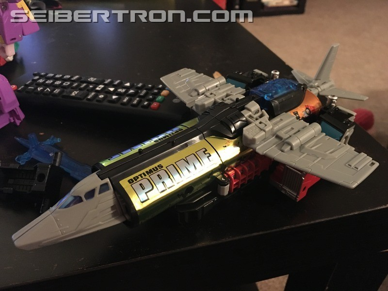 Transformers News: Jet Mode of Laser Prime from Chaos on Velocitron set revealed