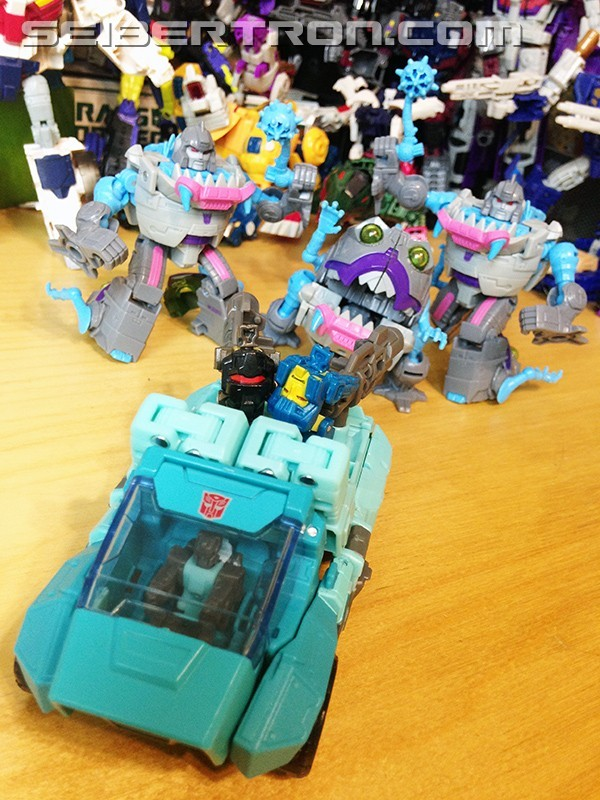 Transformers News: Comparisons Between Titans Return and G1 Toys of Kup and Perceptor