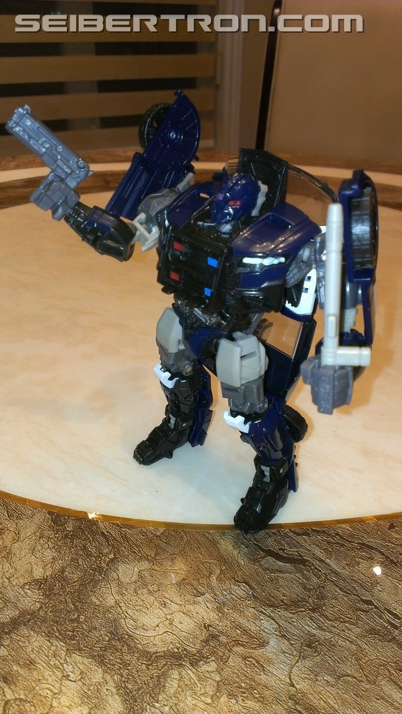 Transformers News: Pictorial and Video Review for Transformers: The Last Knight Deluxe Barricade