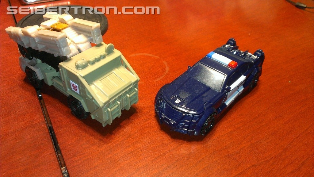 Transformers News: First Look at Cyberfire Gimmick from Transformers: The Last Knight Toyline
