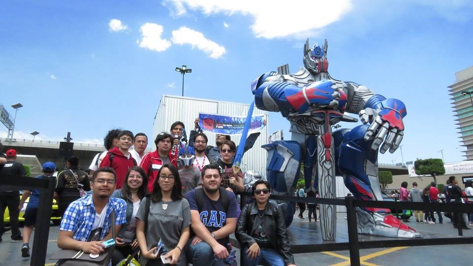 Transformers News: Transformers: The Last Knight Launch Event Held in Mexico, Will be Traveling the Country
