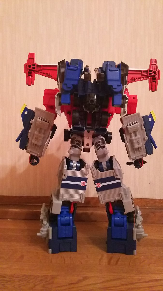 Transformers News: In-Hand Images of Takara Tomy Transformers Legends LG-42 Godbomber