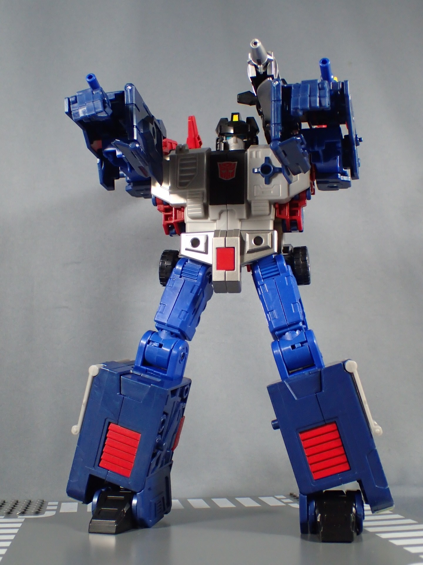 Transformers News: Written Review and More In Hand Images for Legends LG 42 Godbomber