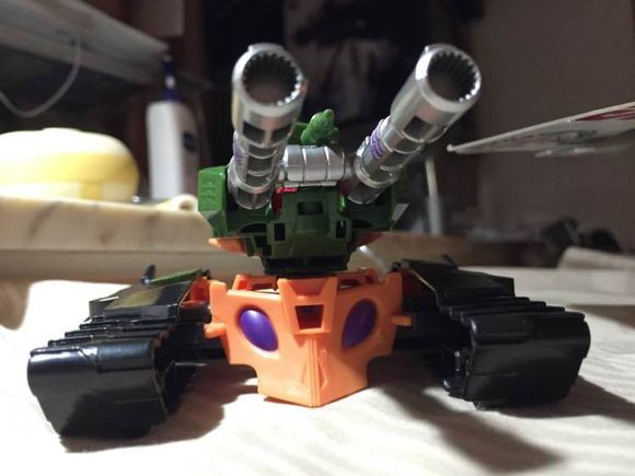 Transformers News: In Hand Images of Transformers: Robots in Disguise Thermidor, Twinferno, Bludgeon