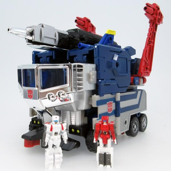 Transformers News: Pre-Order and Images of Takara Legends God Ginrai (Ginrai, Godbomber, Minerva and Cab)
