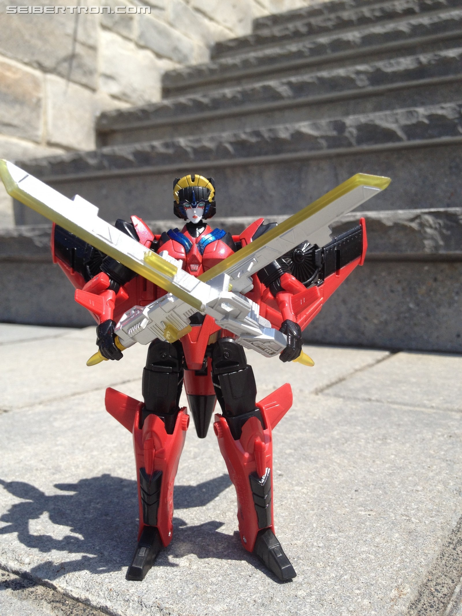 Transformers News: Pictorial Review of Transformers Titans Return Windblade