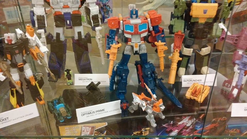 Transformers News: New Images of Concepts from Fun Pub and Customized Figures at Pete's Robot Convention 2017