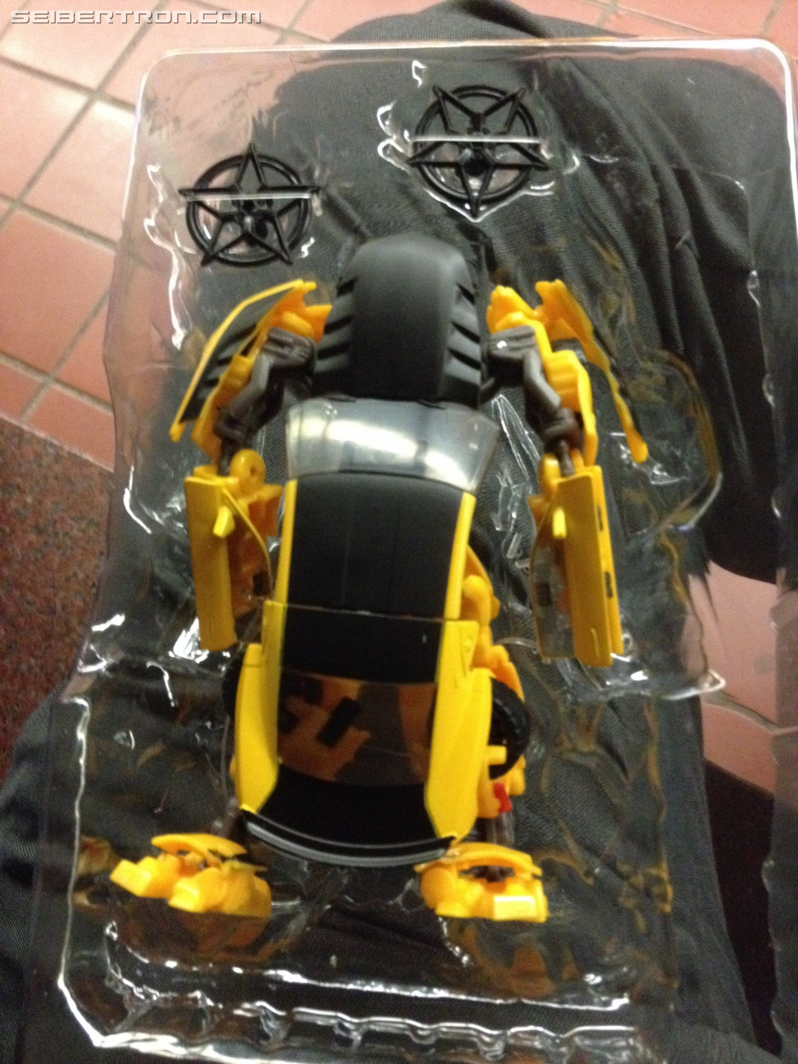 Transformers The Last Knight Deluxe Bumblebee Variant Found In Canada # Plasma De Luxe