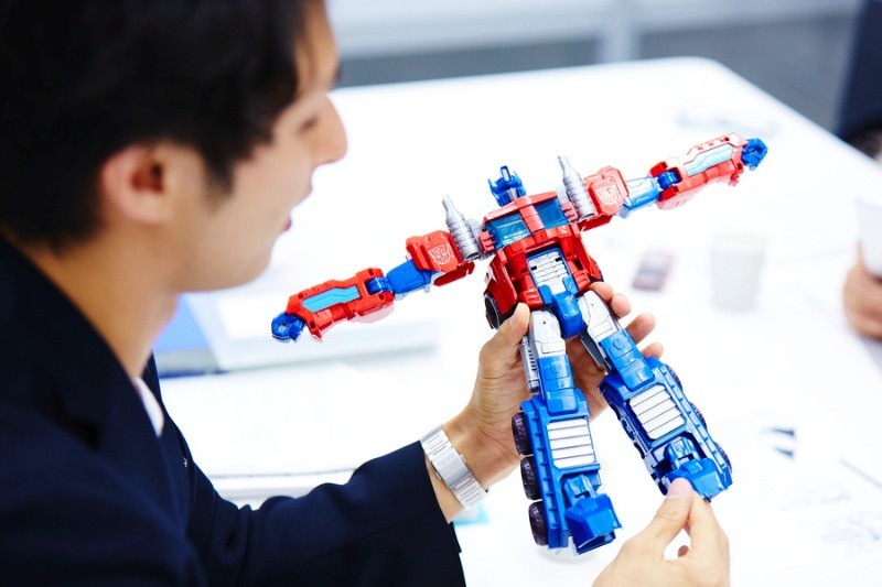 Transformers News: LimitlessIQ Article Spotlighting Takara Designer Daxi Yu Mi