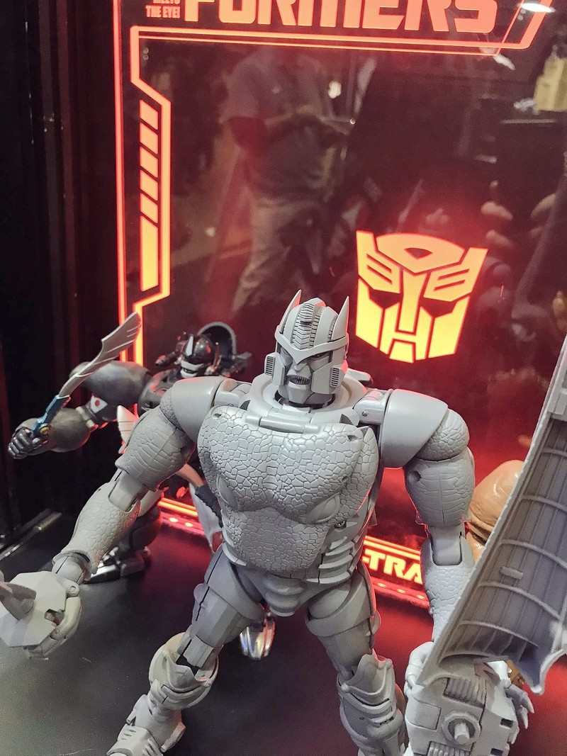Transformers News: Grey Prototype of Takara Tomy Transformers Masterpiece MP-41 Dinobot at Tokyo Comic Con