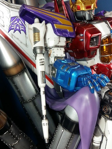 Transformers News: Pictorial Review of Imaginarium Art Coronation Starscream Statue