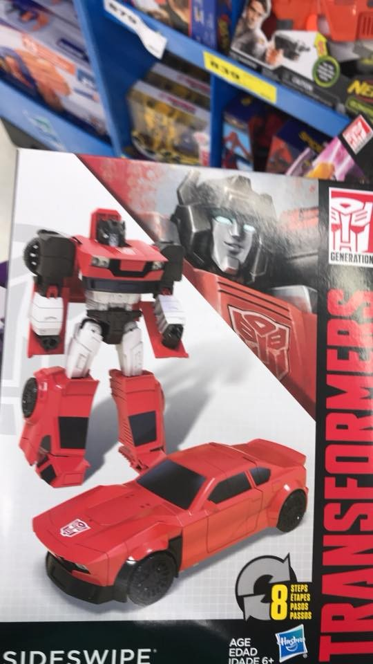 Transformers News: First Look at New Generations Shockwave and Sideswipe from Cyber Battalion Line